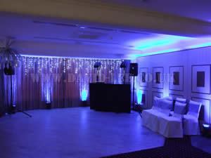 blue Venue lighting in dukingfield golf club wedding venue
