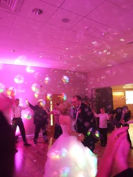 Chill Factor Trafford, manchester, Wedding first dance, Pinke venue lighting and bubbles